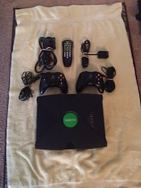 Original Xbox console w/games and controllers 89 km