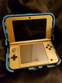 Nintendo 3DS Gold With Orgami design  Kingston, K7L 3S7