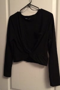 crop top with long sleeve black size L new with tags  Mississauga, L5W 1G6