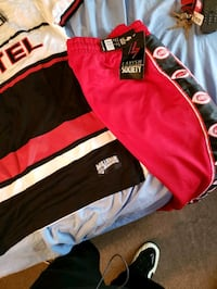 Joggers and Shirt to match XL Minneapolis, 55414