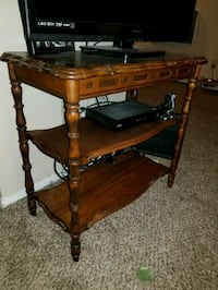 Antique wooden end table Fort Collins, 80521
