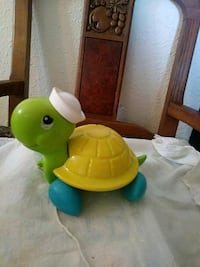 Pull turtle , tail legs move!