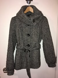 H&M size 4 (small) belted winter jacket great condition 3735 km