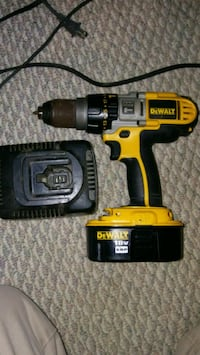 "Dewalt 1/2"" Cordless Drill W/Battery & Charger Flushing, 48433"