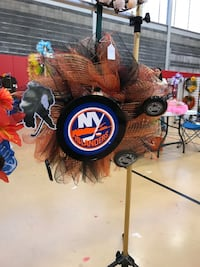 Islanders hockey wreath Wilkes-Barre, 18701