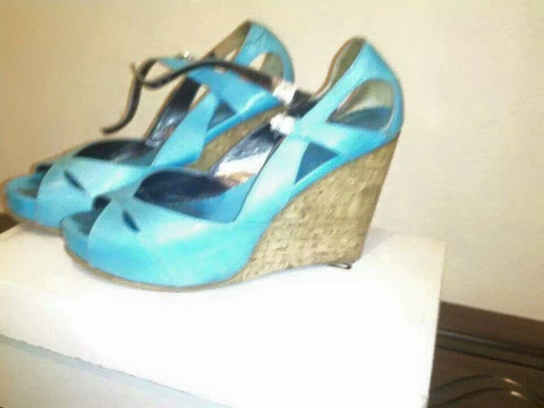 Women's blue leather heels a70d0506-97dd-4381-83b2-91bc82bc0104