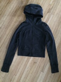 Lululemon size 4 Kitchener, N2B 1H2