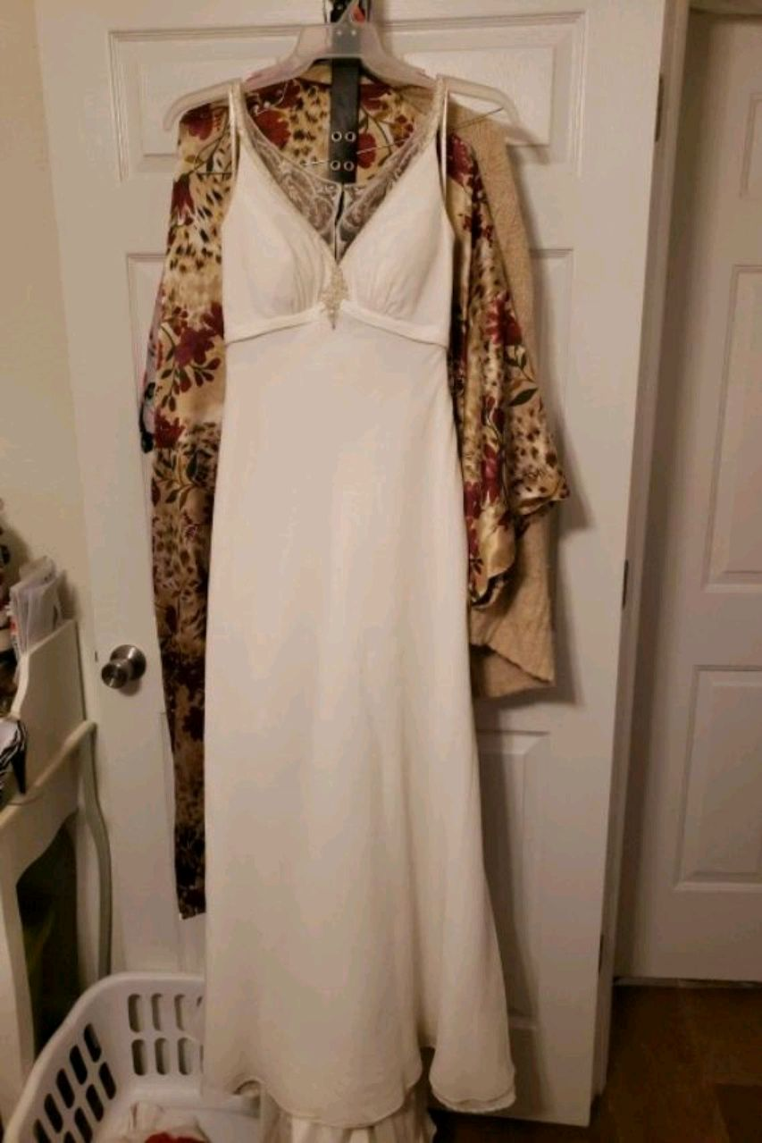 Photo Galina wedding Dress from Davids Bridal size 8