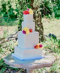 Custom Cakes and Specialty Desserts