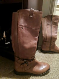 pair of size 8 leather boots