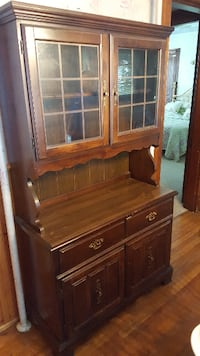 Dining room hutch Real wood  null