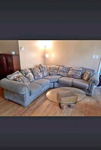 Livingroom sectional/delivery available Mississauga, L4Y 1P2