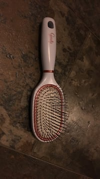 Pretty white and rose gold brush (cleaned and disinfected)  Edmonton, T6J 4E7