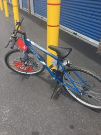 blue and yellow hardtail mountain bike Teaneck, 07666