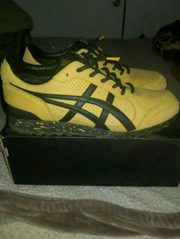 separation shoes d4f6a 2e1e0 Bruce lee asics 75th anniversary
