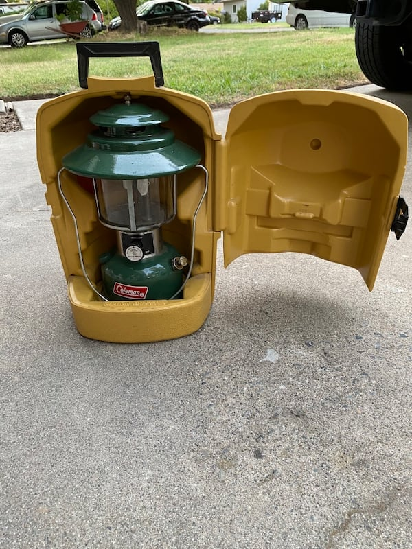 Coleman lantern with carrying case and original instructions  a9d132c7-855f-4f9b-8328-8584bc60990f
