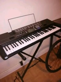 black and white electronic keyboard with stand Sacramento, 95822