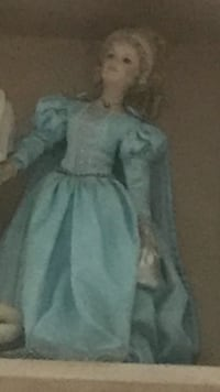 Collectible Cinderella porcelain large doll Kingston, 12401