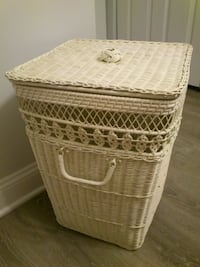 Vintage Ivory Wicker Hamper West Springfield