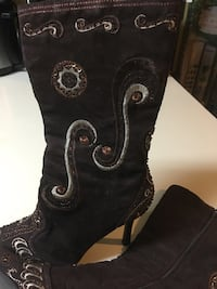Brown high heel embroidered boots, size 10, $7.00 Byram, 39272