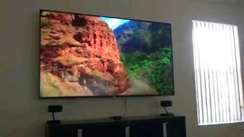 70' 4K LED 240Hz Smart UHD TV! Original Remote, HDR, Wall Mount Ready!