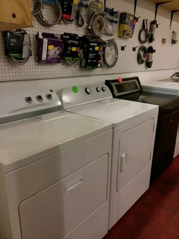 Dryers excellent condition 4months warranty ( (Phone number hidden by letgo)  e2f5cec3-81f7-4ca9-9701-ef9a083c6348