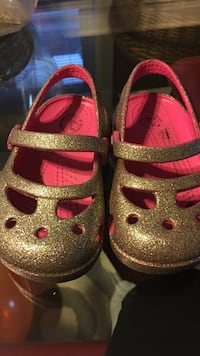 toddle's yellow glittered clogs