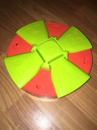 Outward Hound Project Toy Treat Hider for Dogs Very Good Condition Spins Around Pick Up 80951 1455 mi