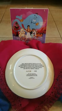 Disney Collector Plates w/ Original Box - MINT Cnd Mississauga, L5C 1K3