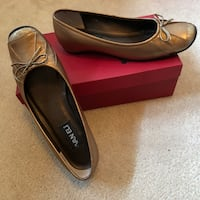 Size 7.5 bronze metallic