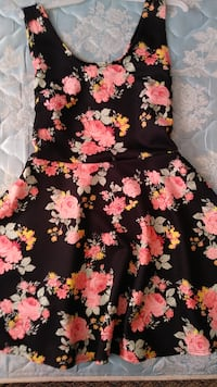 black and pink floral sleeveless dress