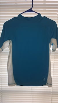 Boys swim shirt size large  Jacksonville, 36265