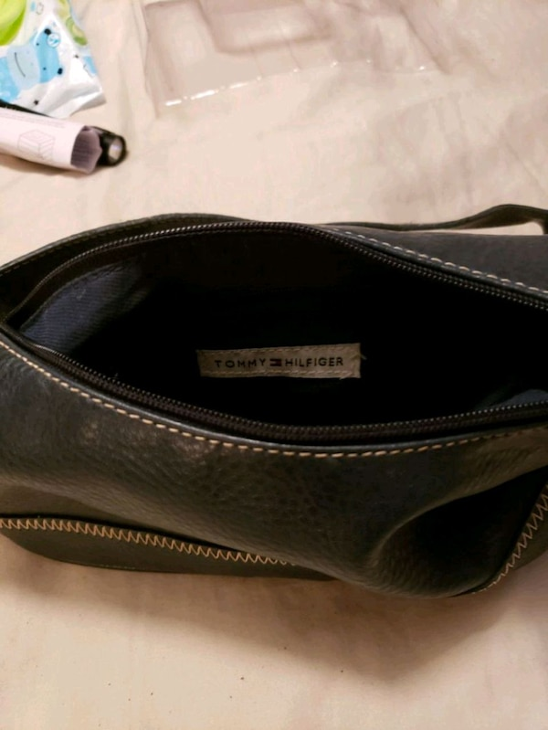 2668f76e9e23 Used Tommy Hilfiger Blue leather purse for sale in Norcross - letgo