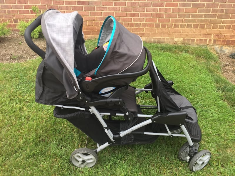 Graco DuoGlider click connect stroller and car seat with bases. 1a0ad6c3-e64d-49fc-bc0e-5ef94fa3bdb0