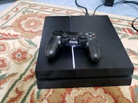 black Sony PS4 with controller Toronto, M1C 1B3