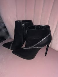 YSL Saint Laurent Booties 535 km