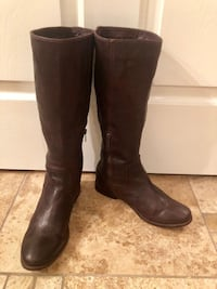 Amazing chocolate brown Frye boots. Sz 8.  Gently used but in great condition.  Las Vegas, 89135