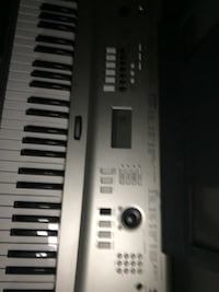 Gray and black electronic keyboard