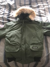 green and beige fur-trrimmed parka jacket Vaughan, L4L 7G3