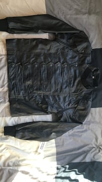Never worn winter soldier jacket w/ detachable sleeves