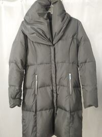 "LIKE ""BRAND NEW"" EXCLUSIVE ""M"" COLLECTION WINTER COAT. Pierrefonds-Roxboro"