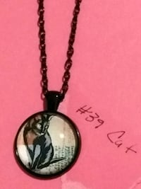 Necklace with a adorable cat. Claremont, 91711