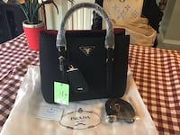 Gorgeous black colour purse  Hamilton, L8W 3H2