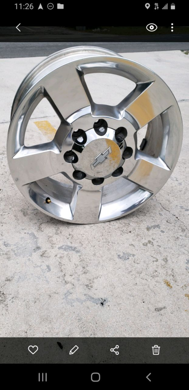 Photo 2016 8 lugs wheels,, like brand new,, all 4 for 300.00