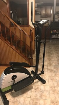 Elliptical exercise machine Mississauga, L4W 4R8