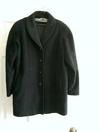 100% wool ladies 3/4 coat made in Canada  size 15/16.