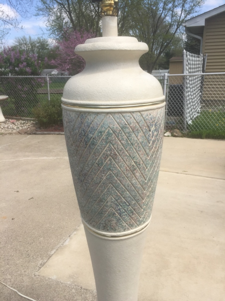 White and gray floor lamp - Dyer