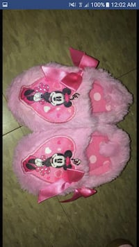 Toddler girls slippers size 5/6 Potsdam, 13676
