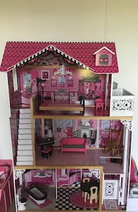 Doll house with furniture Adamstown, 21710