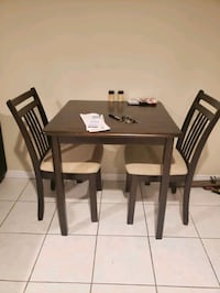 Dining table Vaughan, L4J 2Z8